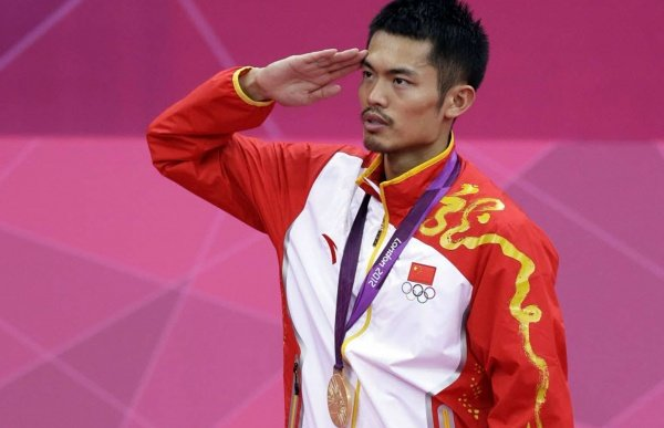 Lin Dan remains king of the mountain in London